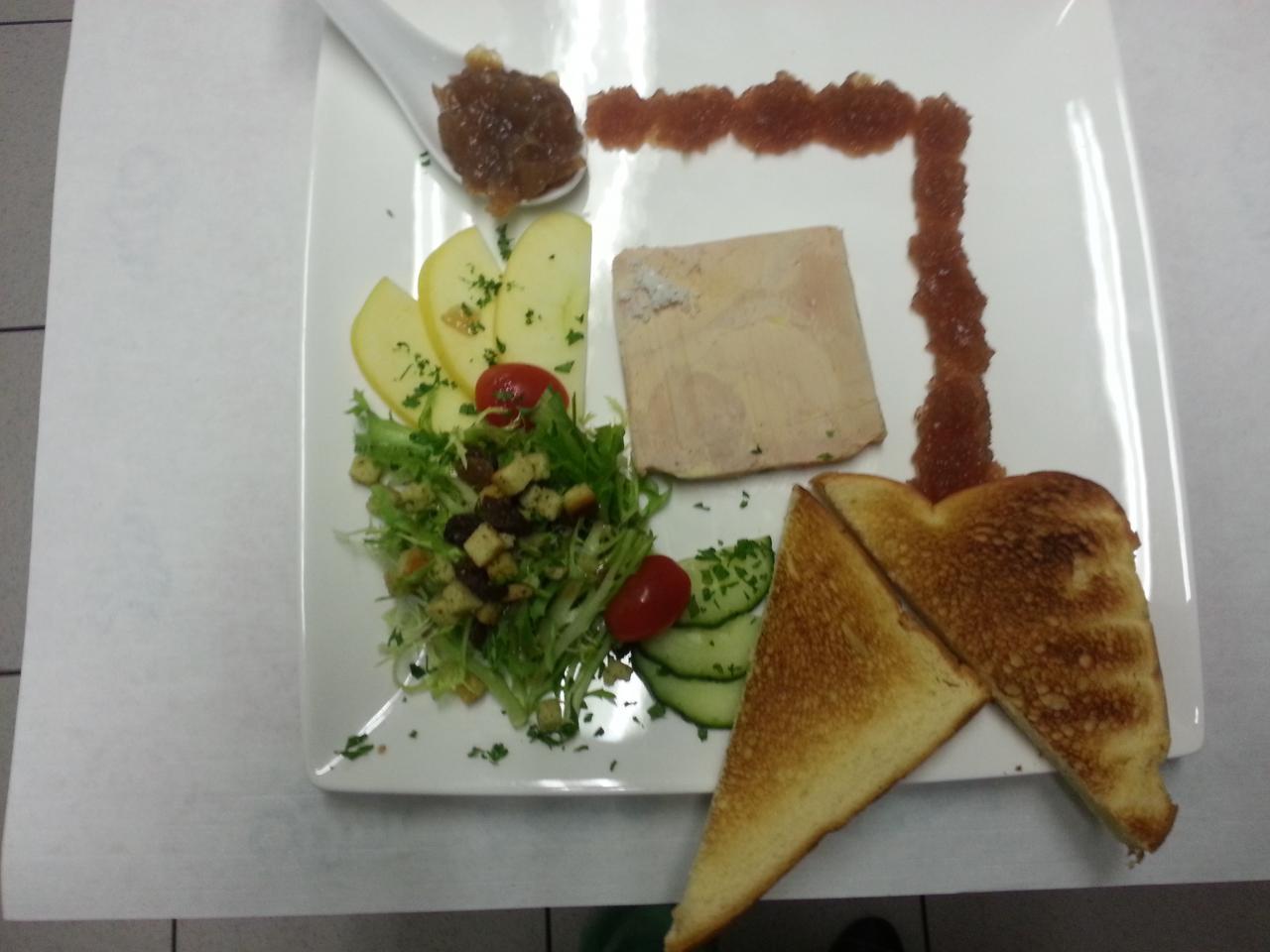 la tranche de foie gras et sa confiture d 'oignons