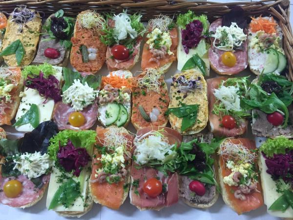 Demi sandwiches